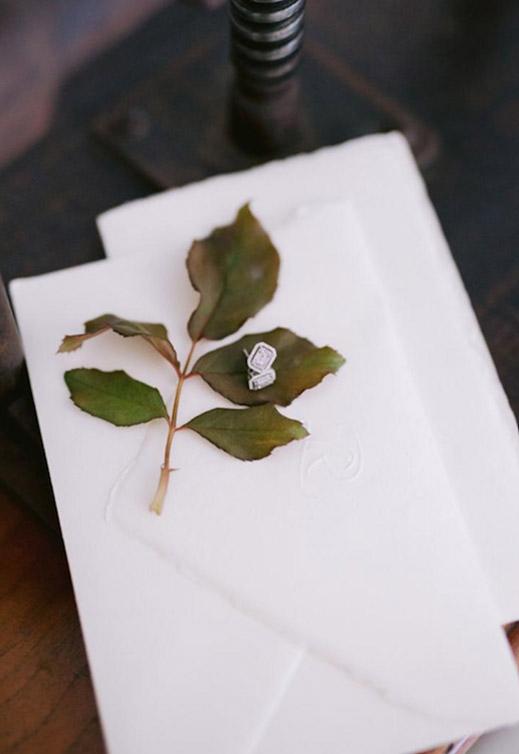 grafica-matrimonio-busta-partecipazioni-matrimonio-carta-amalfi-logo-a-secco