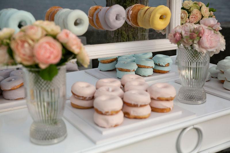 torte-eventi-comunione-colori-pastello-torte-palloncini2-alba-greco-event-planner